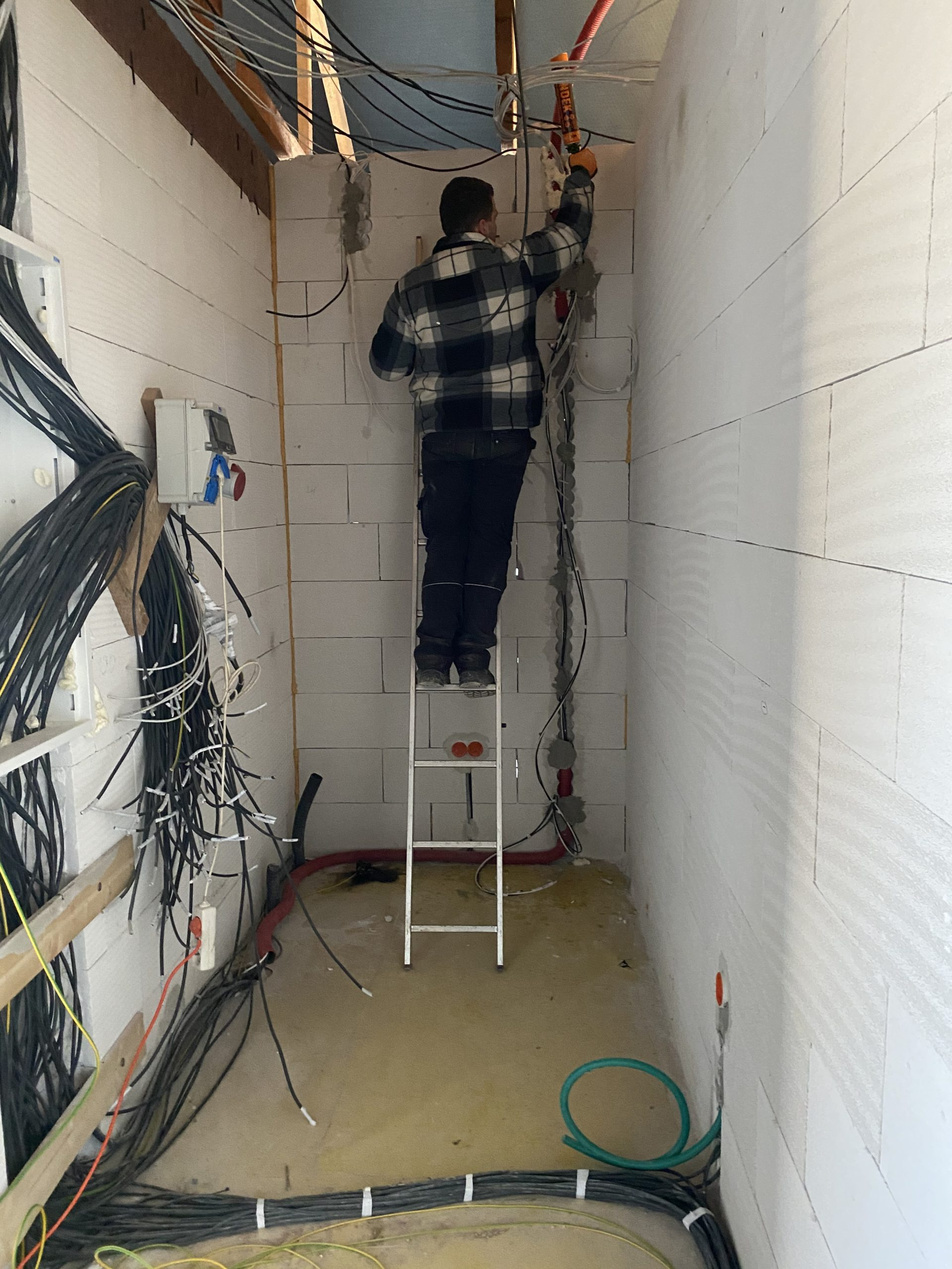 Elektroinstalace zděny dům